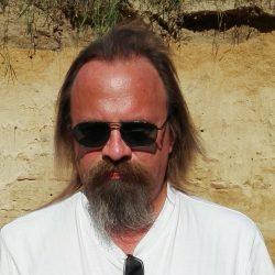 Piotr Gruda Psychotronika, Studium Psychotroniki